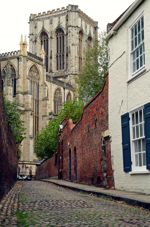 Description of . The York Minster (Photograph by Dennis Lennox)
