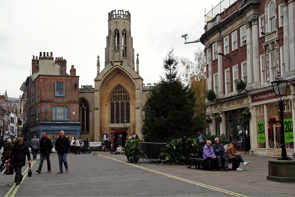 . The square outside Mansion House, the lord mayor of York\'s residence (Photograph by Dennis Lennox)