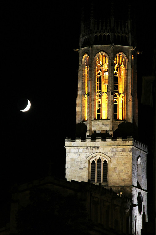 . All Saints Pavement at night (Photograph by Dennis Lennox)