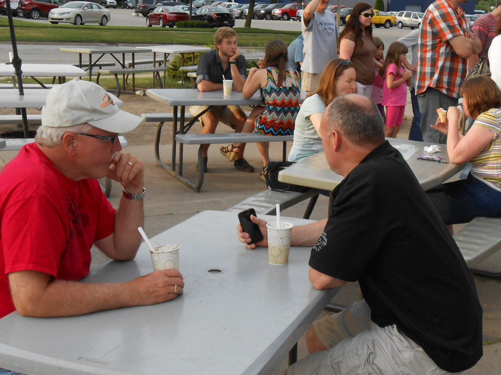 . Residents enjoy ice cream at Doozie\'s Ice Cream Place on Sunday June 22, 2014 . Photos by Kelly Rocheleau.